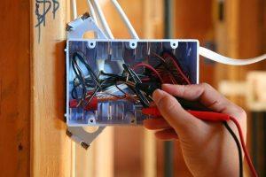 Sửa chữa lắp đặt ổ cắm điện