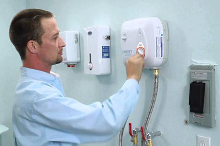 Thợ chuyên sửa chữa bình nóng lạnh tại nhà