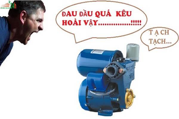 Nguyên nhân máy bơm nước kêu to, không lên nước
